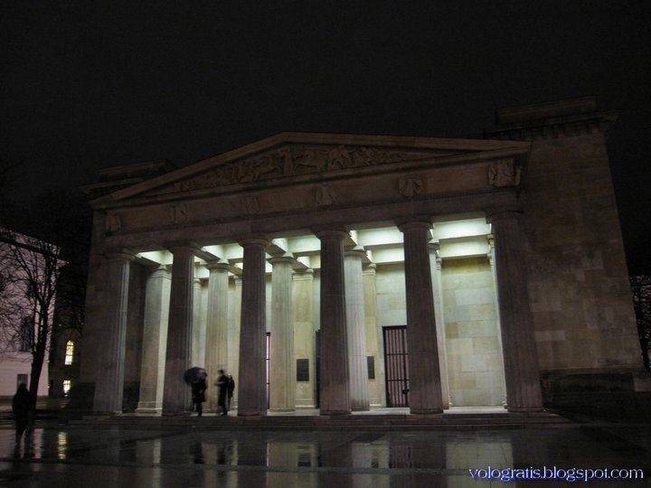 mausoleo berlino vittime guerre e persecuzioni