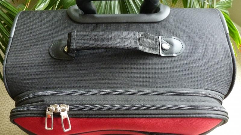 Gli oggetti vietati nel bagaglio a mano - Ryanair cosa si puo portare nel bagaglio a mano ...