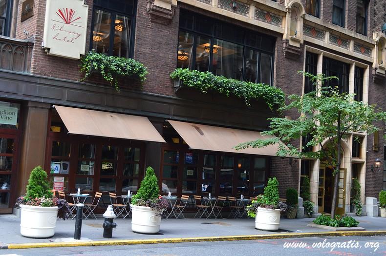 Library hotel a new york la recensione di for Dove soggiornare a new york