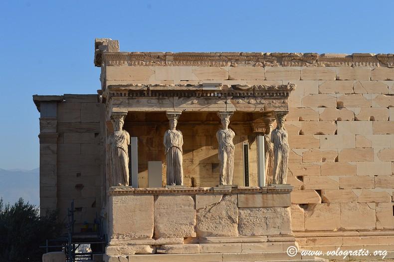 loggia cariatiadi eretteo acropoli atene