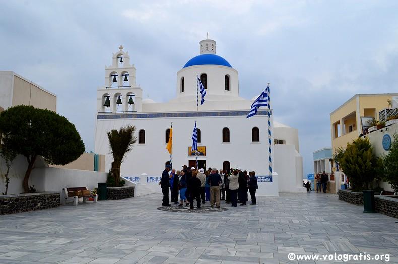 chiesa oia santorini