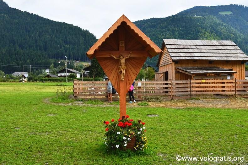 crocifisso in legno austria
