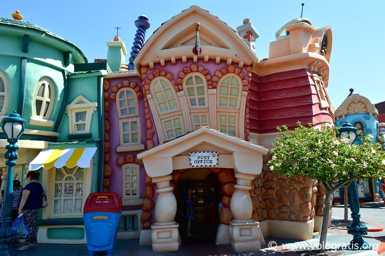 mickeys toontown disneyland (2)