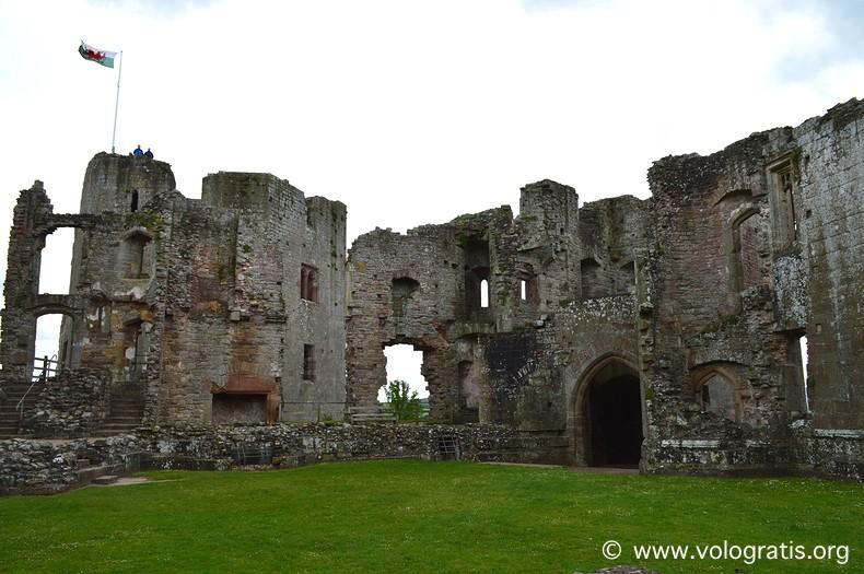 raglan castle galles (2)