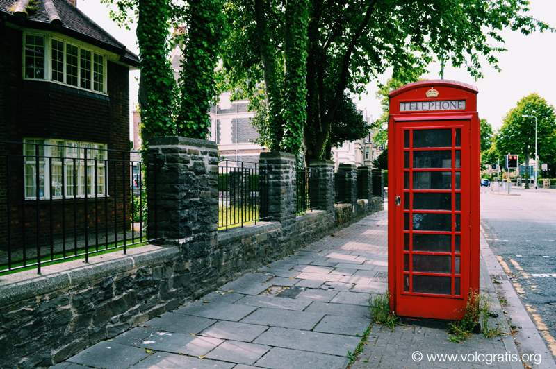 diario di viaggio a cardiff red telephone box