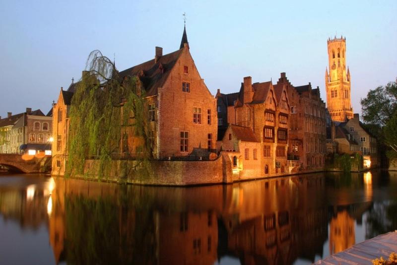 Rozenhoedkaai da visitare a Bruges
