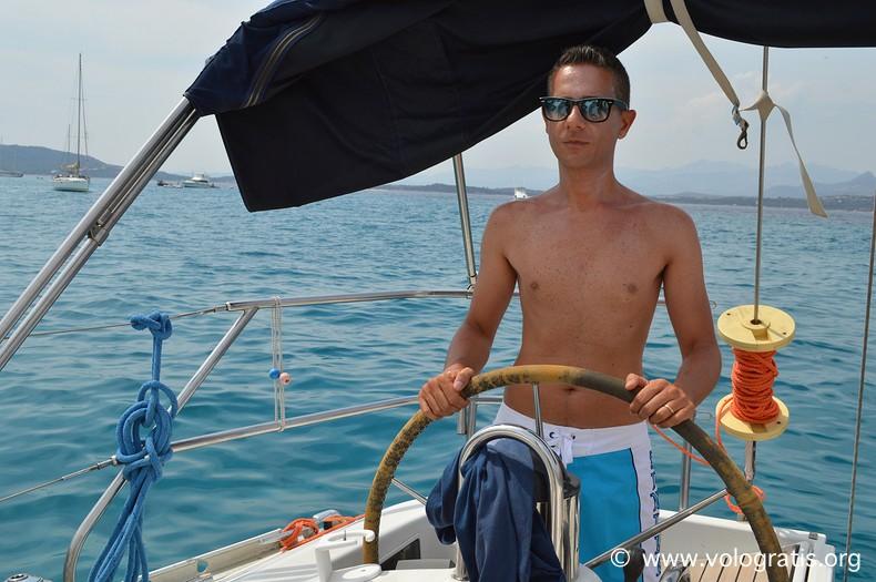 andrea petroni barca a vela vacanza in sardegna