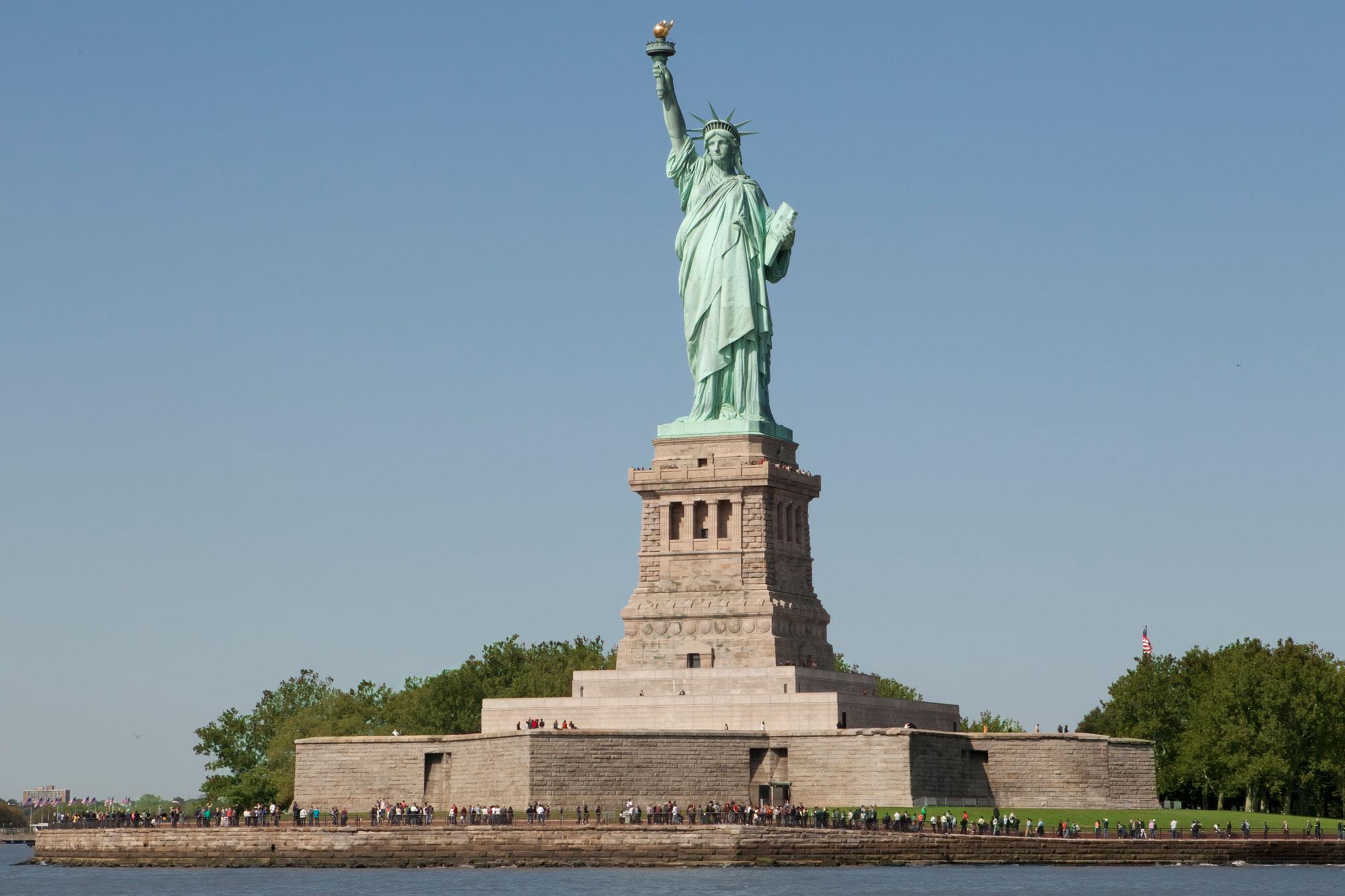 statua della libertà da non perdere a new york