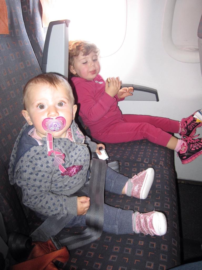 Vacanze e viaggi con bambini - Ml da portare in aereo ...