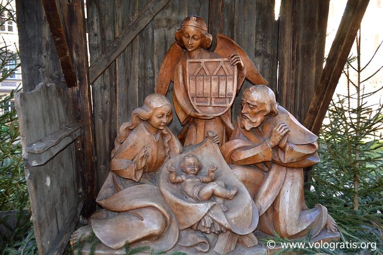presepe in legno viaggio ai mercatini di natale di innsbruck