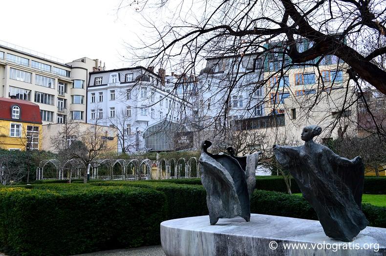 diario di viaggio praga romantica giardino francescani