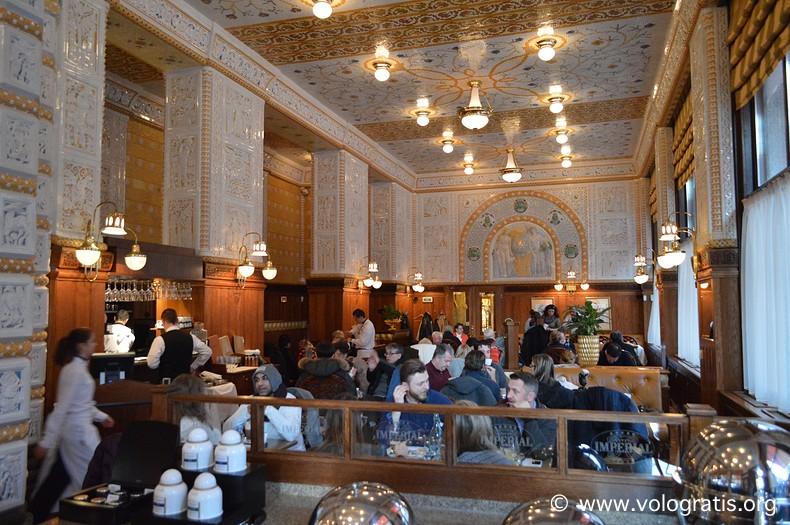 diario di viaggio praga romantica cafe imperial