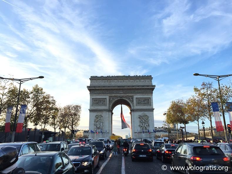 foto parigi arc triomphe