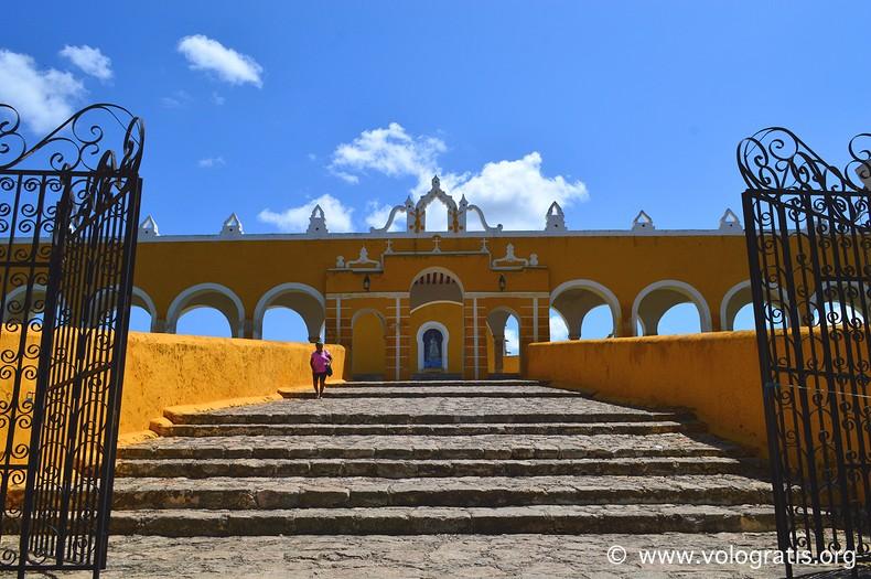 foto messico izamal ingresso convento
