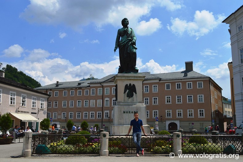 foto di salisburgo statua di mozart