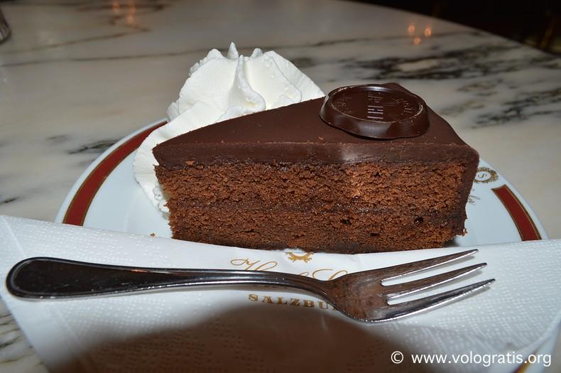 foto torta sacher salisburgo