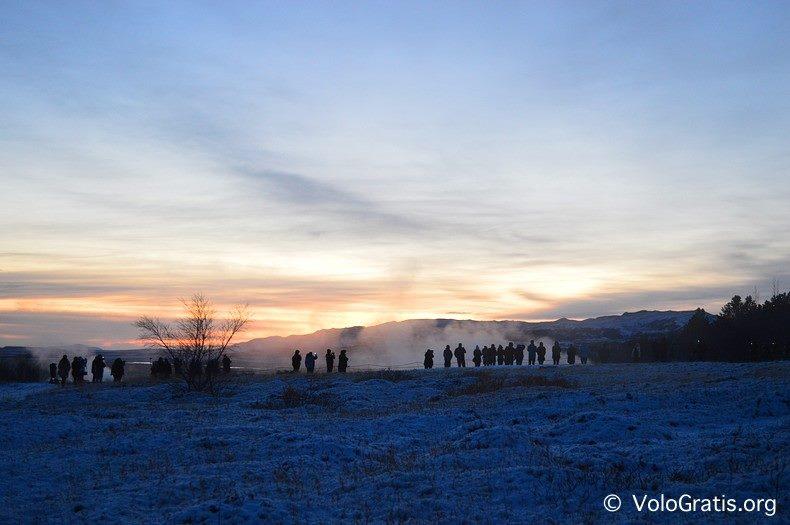 foto islanda tramonto geyser