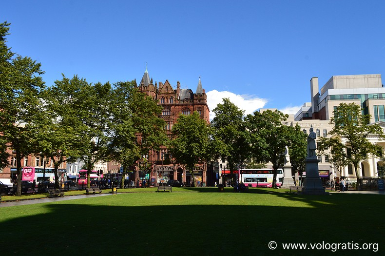 foto belfast giardini city hall