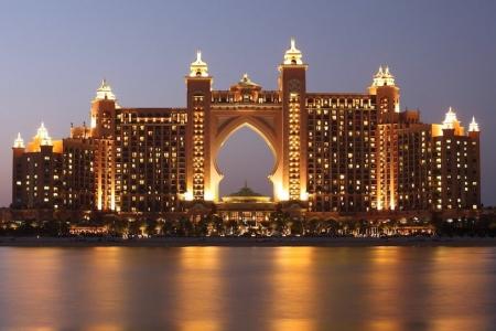 concorso per vincere biglietti aerei Emirates