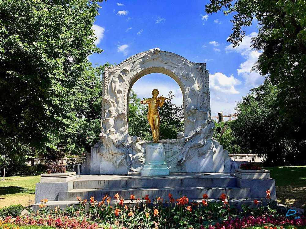 monumento strauss vienna