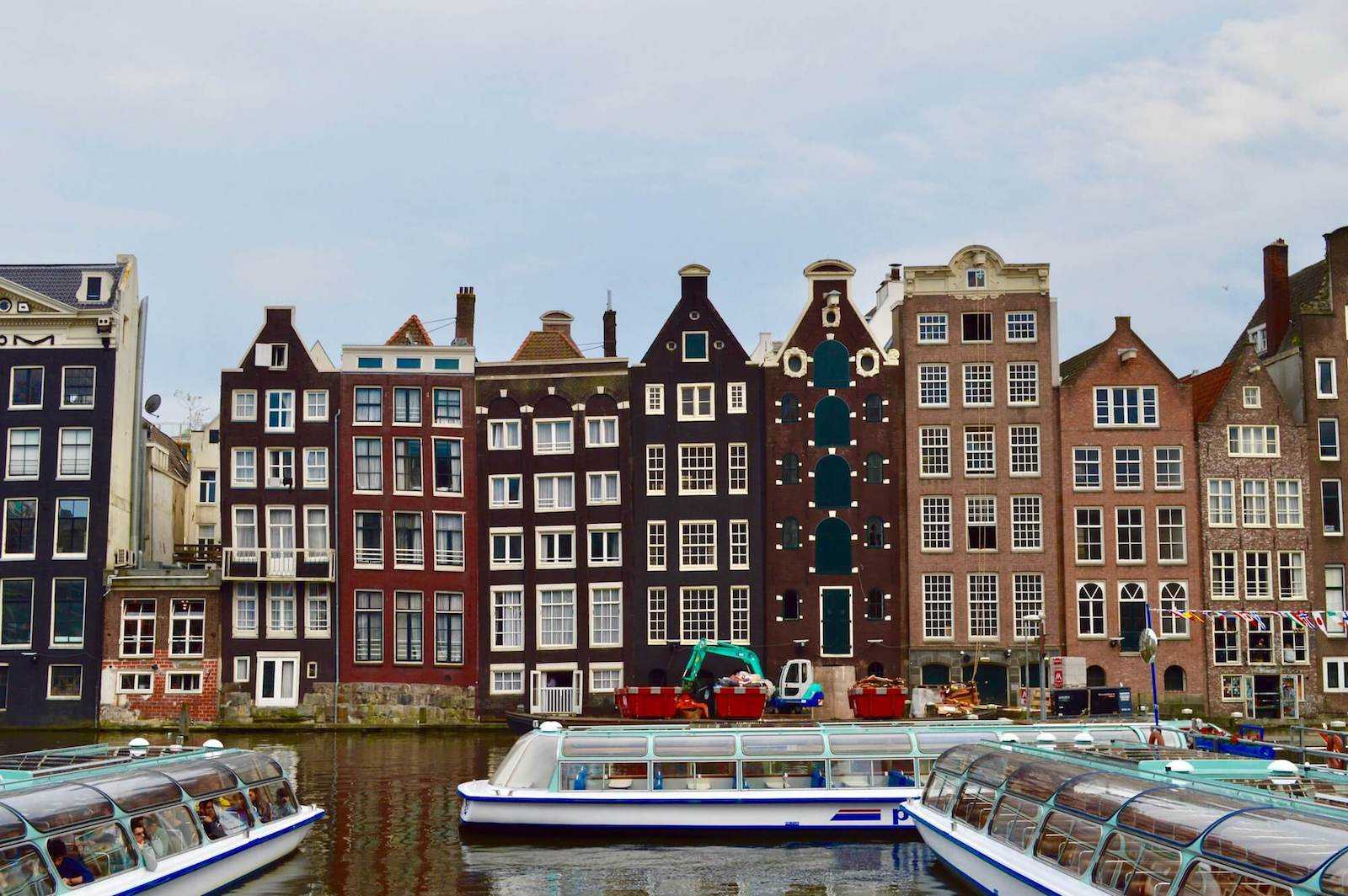 Perch le case di amsterdam sono storte for Case amsterdam economiche