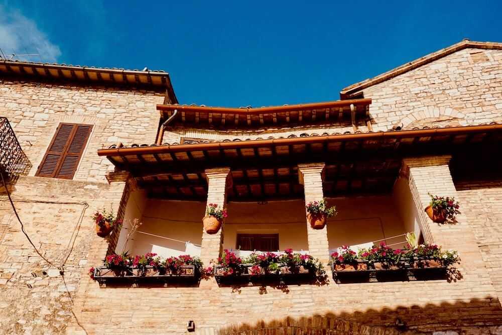 spello balconi fioriti