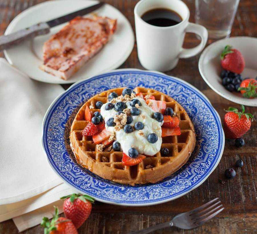 colazione americana waffle