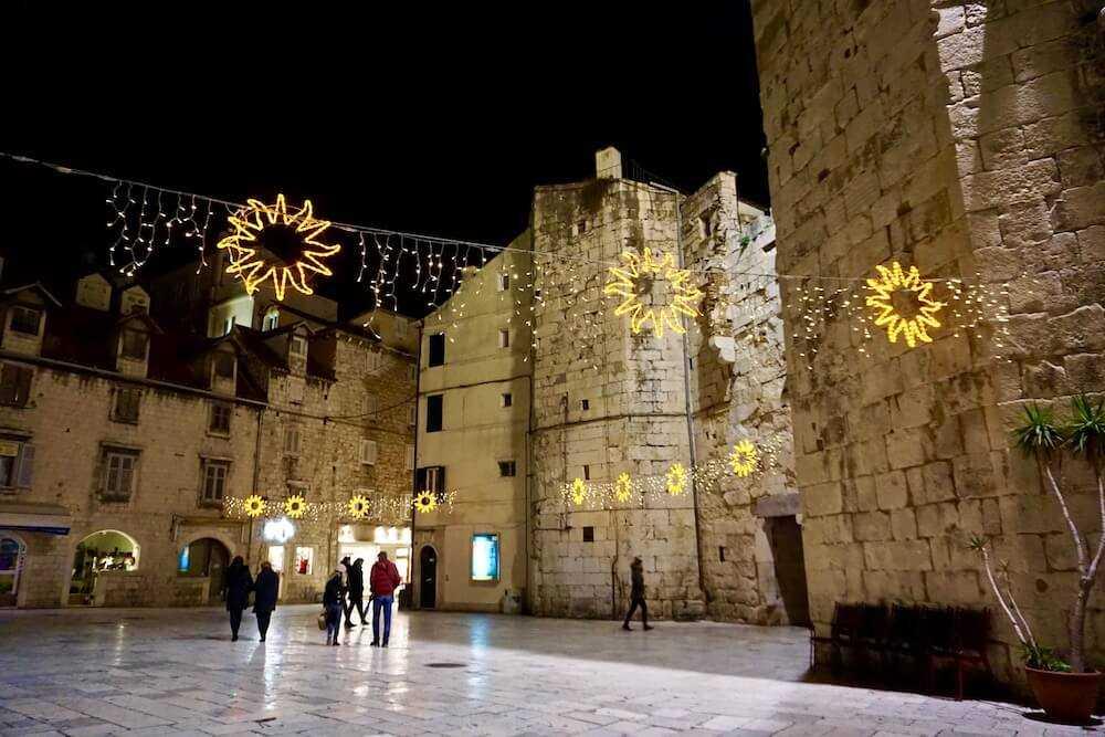 spalato palazzo diocleziano notte (2)